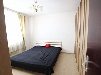Schlafzimmer Kellerabteil Bruttomieten - 3-Zimmer Wohnung in der Stadt