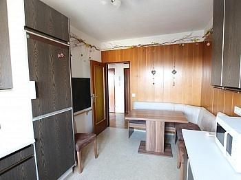 teilmöbliert unmittelbarer Infrastruktur - 3-Zimmer Wohnung in der Stadt