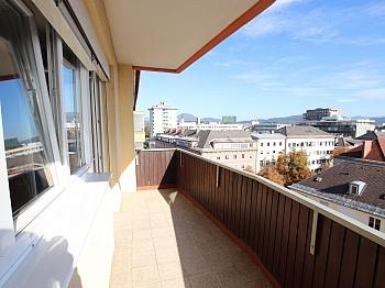 Wohnung Balkon Nähe - 3-Zimmer Wohnung in der Stadt