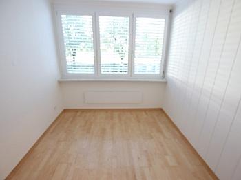 langfristige Abstellraum überprüft - Schöne sanierte 3 Zi Wohnung in Welzenegg mit TG