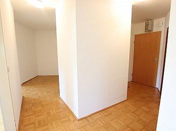 Angaben Gewähr Fassade - Schöne 3 Zi Wohnung 83m² in Viktring mit TG