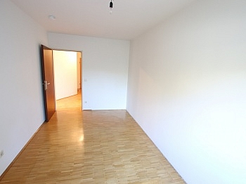 Ankleide sonniger speziell - Schöne 3 Zi Wohnung 83m² in Viktring mit TG