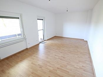 Eingangstüre überdachter Balkonböden - Traumhafte 111m² 5 Zi Whg. - Maria Saal-Ratzendorf