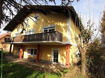 Diele Hackschnitzelanlage Außenrollos - 290m² Mehrfamilienhaus in Grafenstein - St. Peter