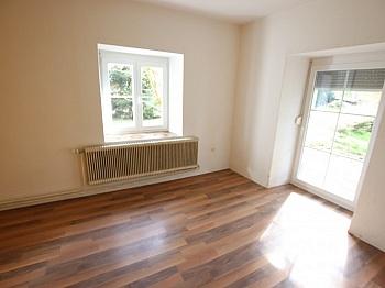 HARGASSNER Wohnzimmer Esszimmer - 290m² Mehrfamilienhaus in Grafenstein - St. Peter