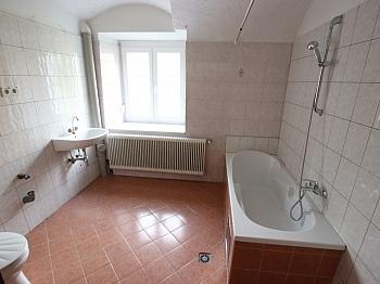 Großes Angaben Gewähr - 290m² Mehrfamilienhaus in Grafenstein - St. Peter