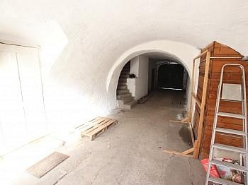 Fliesenböden Unausgebautes Obergeschoss - 300m² Wohn-und Geschäftshaus im Zentrum - Friesach