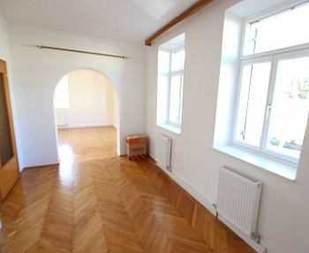 möblierte Kreuzbergl Esszimmer - Neu sanierte 2 Zi Wohnung - Beethovenstrasse