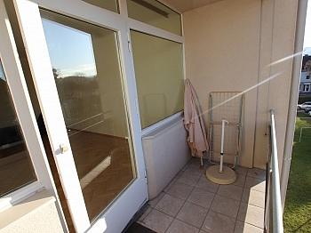 möblierte Wohnküche bestehend - Nette 93m² 4 Zi Wohnung - Waidmannsdorf mit Loggia
