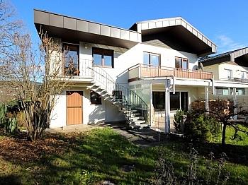 Stiegenaufgang großzügiges Obergeschoss - Großzügiges Wohnhaus Nähe Wölfnitz