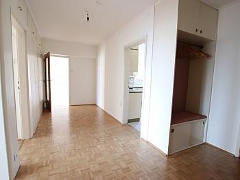 Westseite Ostbalkon Geräten - Schöne sanierte 4 Zi Wohnung 120m² - Waidmannsdorf