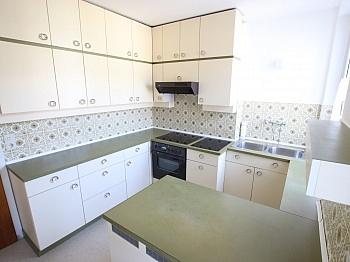 Ausblick Apotheke speziell - Schöne sanierte 4 Zi Wohnung 120m² - Waidmannsdorf