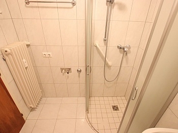 mittels ruhiger Schule - Schöne sanierte 4 Zi Wohnung 120m² - Waidmannsdorf