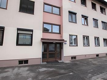 Hausverwaltung Fliesenböden Elekroheizung - Teilsanierte 3 Zimmer Wohnung in der Feldhofgasse