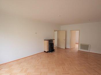 - Teilsanierte 3 Zimmer Wohnung in der Feldhofgasse