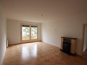 Stock Raum inkl - Teilsanierte 3 Zimmer Wohnung in der Feldhofgasse