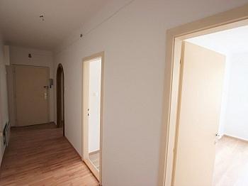 Stellplatz Wohnanlage Klagenfurt - Teilsanierte 3 Zimmer Wohnung in der Feldhofgasse
