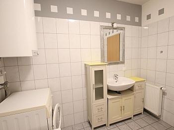 Gesamte Vorraum Sonnige - Junge 50m² 2 Zi Wohnung mit Balkon am Stadtrand