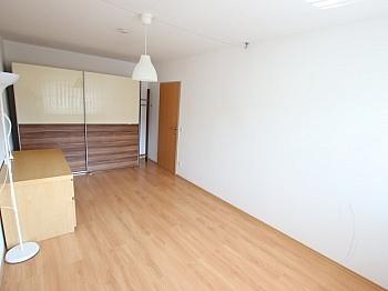 vorbehalten Abstellraum Fernwärme - Junge 50m² 2 Zi Wohnung mit Balkon am Stadtrand