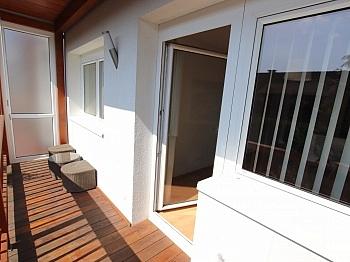 Schöne Küche Balkon - Junge 50m² 2 Zi Wohnung mit Balkon am Stadtrand