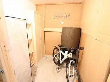 Diele fixe Ecke - Junge 50m² 2 Zi Wohnung mit Balkon am Stadtrand