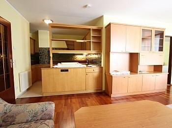 großes Wohnung Küche - Tolle 62m² 2 Zi Wohnung mit Loggia und Tiefgarage