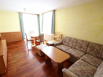Vollmöbliert Obergeschoss Kellerabteil - Tolle 62m² 2 Zi Wohnung mit Loggia und Tiefgarage