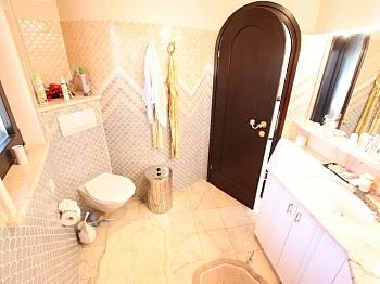 Interieur Esszimmer Toiletten - Einzigartige Villa in Gottesbichl - Traumaussicht