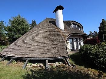 Hausaußenpflasterungen Rundbogenholzfenster Massiveingangstüre - Einzigartige Villa in Gottesbichl - Traumaussicht