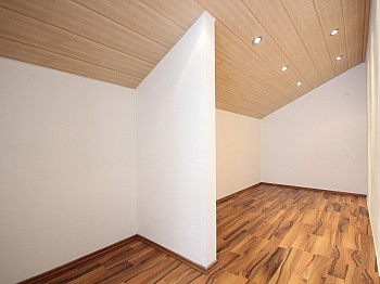 befahrenen Kellerraum adaptiert - Ein/-Zweifam.-Wohnhaus in erhöhter Aussichtslage