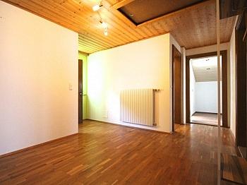 Schrankraum vorbehalten Änderungen - Ein/-Zweifam.-Wohnhaus in erhöhter Aussichtslage