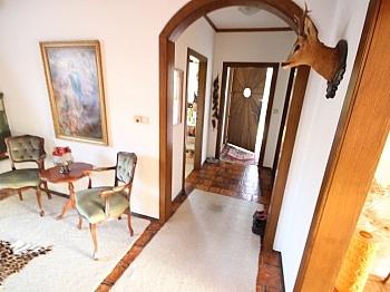 Dachgeschoss Gästezimmer Aussichtlage - Tolles 250m² Wohnhaus in Maria Rain-Traumaussicht