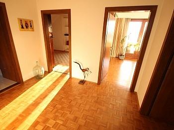 Gemeinde befindet Ankleide - Tolles 250m² Wohnhaus in Maria Rain-Traumaussicht