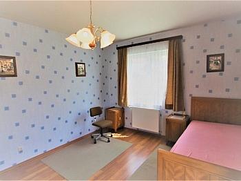 Fliesenböden großzügigen Kinderzimmer - Sehr gepflegtes Haus Bestlage Feldkirchen