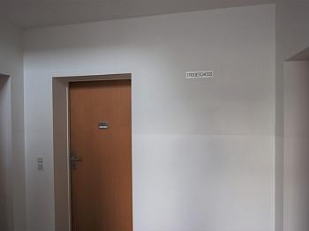Vorraum Ruhige ÖAMTC - Schöne junge 3 Zimmerwohnung nahe XXXLutz