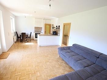 Küche inkl Akazienhofstrasse - Tolle 2 Zi Wohnung mit 190m² Garten und Tiefgarage