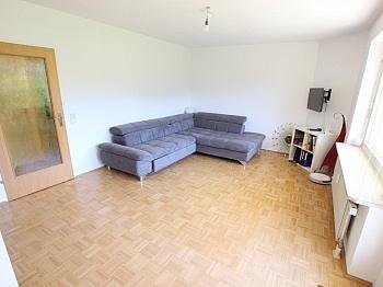 Fliesenböden Kellerabteil Außenrollos - Tolle 2 Zi Wohnung mit 190m² Garten und Tiefgarage