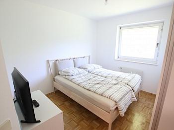 schönen Aussicht Geräten - Tolle 2 Zi Wohnung mit 190m² Garten und Tiefgarage