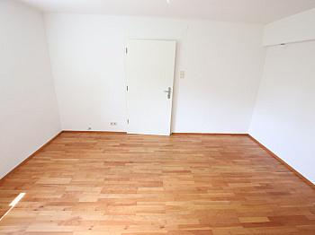 Stellplätze Hauseigener Waschküche - Große 2 Zi Wohnung 97m² mit Garten - Waidmannsdorf