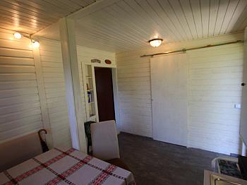 - Toller Baugrund mit Ferienhaus in Ruhelage!