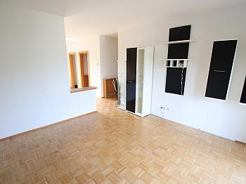 Esszimmer Badewanne bestehend - Tolle 75m² - 2 Zi Maisonettenwohnung in Tessendorf