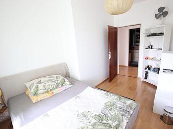 Wohnung Parkett mittels - Tolle 4 Zi Wohnung 140m² mit XXL Loggia - Feschnig