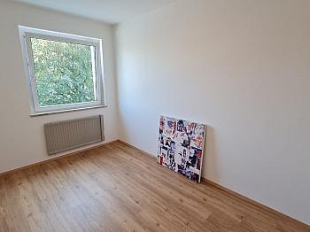 Räume Böden sofort -  Sehr schöne, sanierte 3 Zi-Whg. in Waidmannsdorf