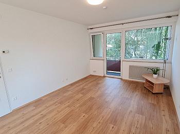 Wohnung Loggia Schlafzimmer -  Sehr schöne, sanierte 3 Zi-Whg. in Waidmannsdorf
