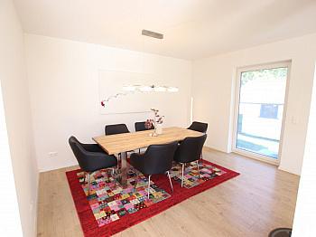 eingefriedeten barrierefreie Arbeitsplatte - Neues schönes 145m² Wohnhaus - Nähe Viktring