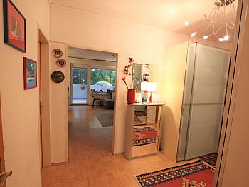 Zentrum Vorraum Dusche - Lage Lage Lage! Hochwertige 3 Zimmer-Whg. beim LKH