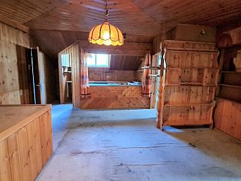 sanierungsbedürftig Gemeindegrundstück Parkmöglichkeiten - Älters Gasthaus mitten in Eisenkappel