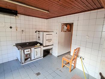 Umbau Nähe Zubau - Älters Gasthaus mitten in Eisenkappel