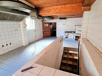 Zimmer mitten Sonnig - Älters Gasthaus mitten in Eisenkappel
