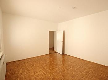Vorraum großer Heizung - 3 Zi Wohnung am Kreuzbergl
